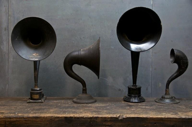 Vintage Talking Machine Horn Speakers Factory 20