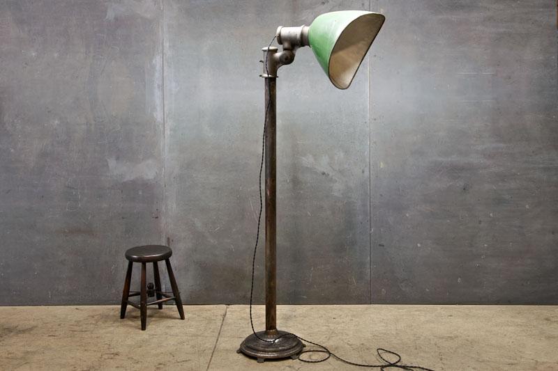Gullwing Porcelain Floor Lamp Factory 20