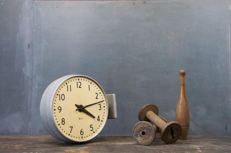 Vintage Train Station 2x Clock Factory 20