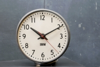 435_368ibm-1950s-office-wall-clock-metal4.jpg